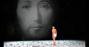 """حول مفهوم الوجه، بخصوص """"ابن الله"""" من عرض لروميو كاستيلوتشي."""